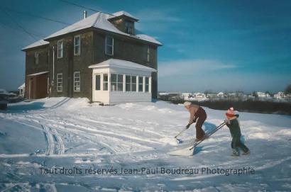 FF001-0981 Vieille maison familiale Claudette & Philippe retouched logo copy
