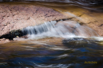 mini chute rocher eau chutes Pabineau -6833 copy